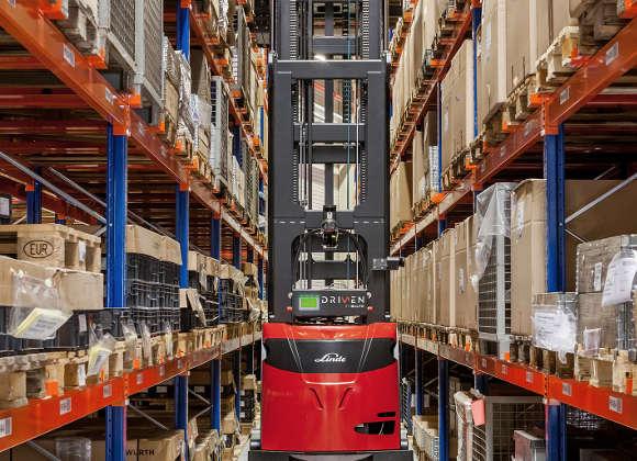 Linde Robotik: Autonom Heben auf 12 m Höhe