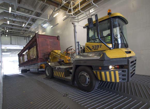 85-Tonnen-Container sicher verladen