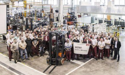 Linde feiert erfolgreichsten Elektrostapler der Welt