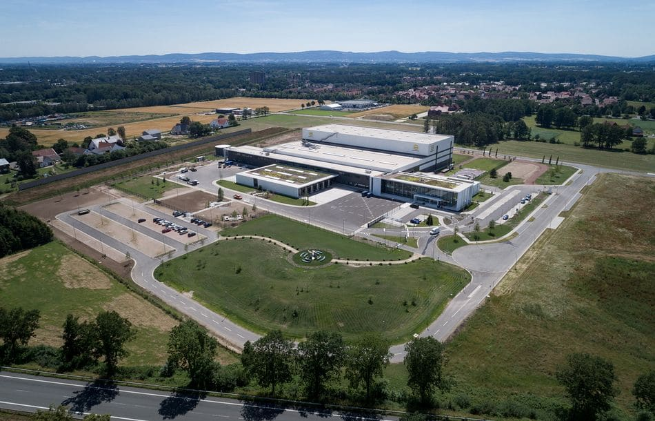 Harting weiht European Distribution Center ein