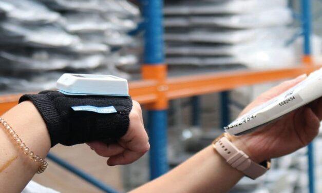 Nimmsta-Handrückenscanner: Vielseitiger Helfer in der Kommissionierung
