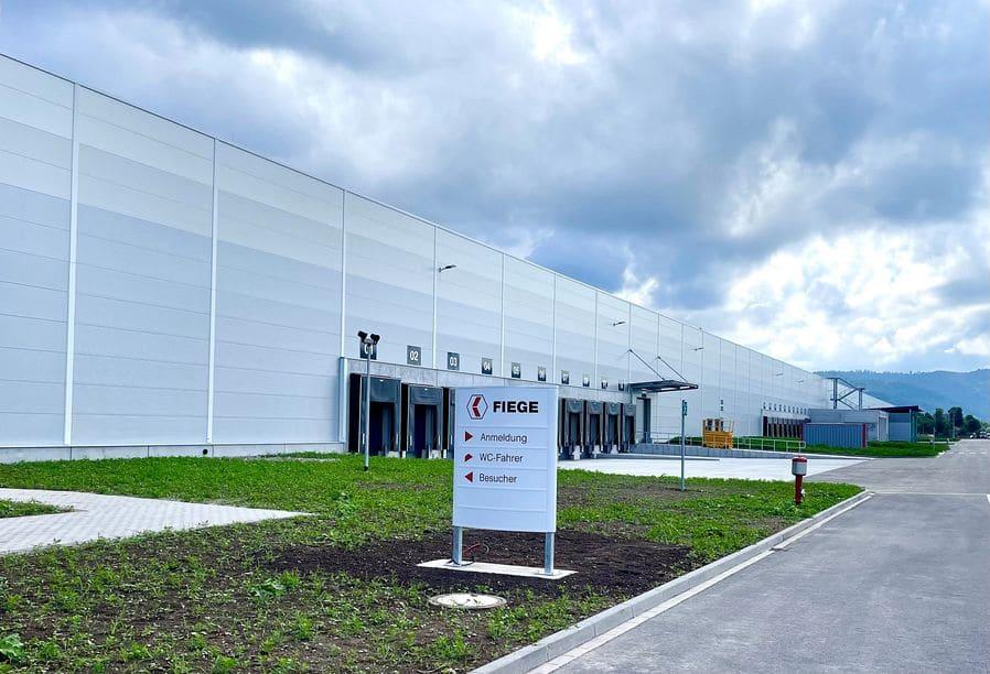 Fiege und LIP nehmen Multi-User-Center in Betrieb